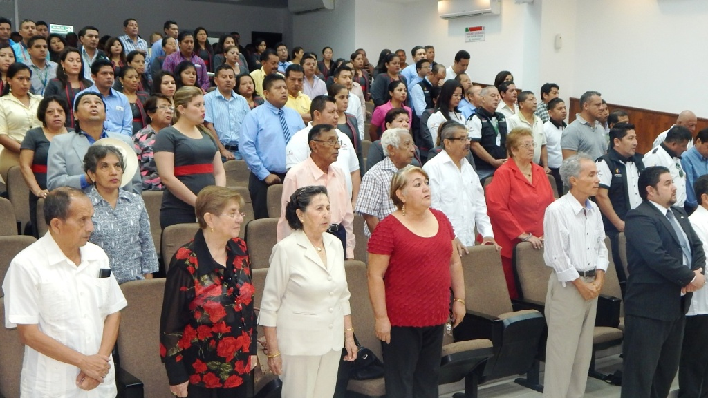 Invitados a conmemorar el natalicio de José Isaac Santana Triviño, prominente emprendedor histórico de Montecristi, Ecuador.