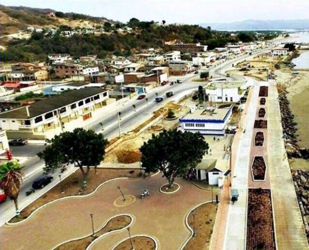 Parque recreacional sobre el malecón de San Vicente.