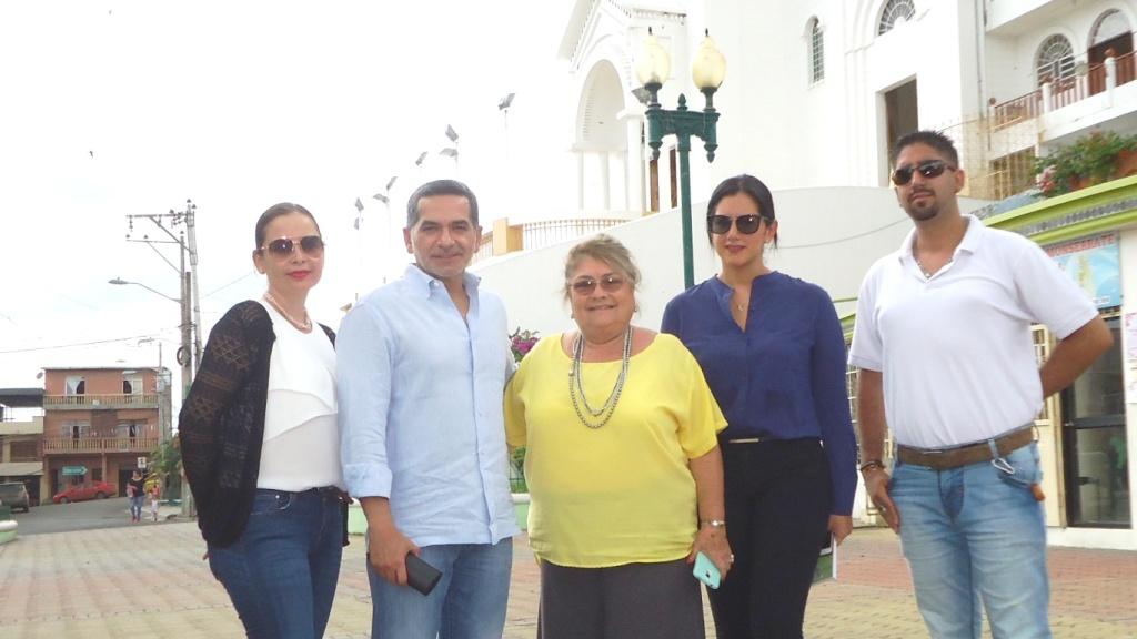 El ministro de Turismo, Fernando Alvarado, en visita reciente a Montecristi.
