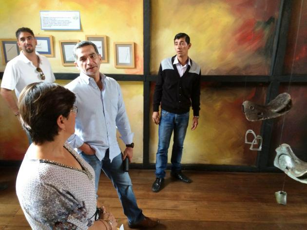 Ministro de Turismo visita el Museo Municipal Cancebí de Manta, Ecuador.