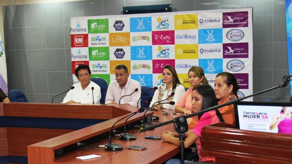 Presentación de la carrera atlética DIOSA UMIÑA 5K organizada por el Municipio de Manta, Ecuador.