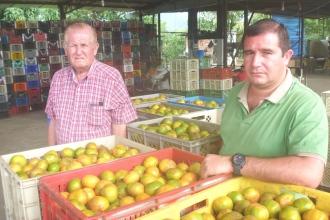 Pablo Molina Intriago (izq.) y su hijo Javier Molina Andrade.