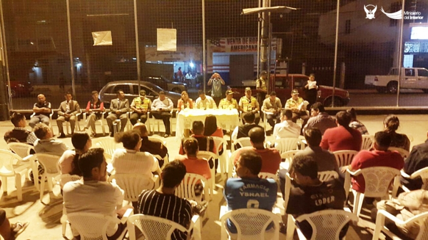 Asamblea comunitaria pro seguridad pública, sector terminal terrestre de Portoviejo. Manabí, Ecuador.