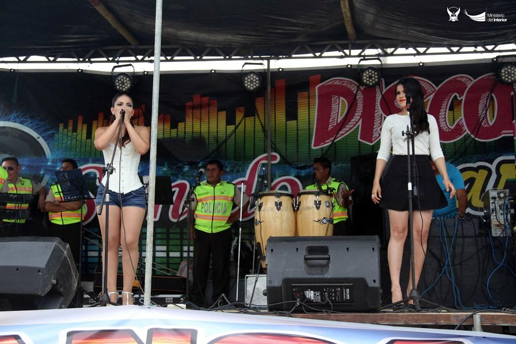 Dúo femenino Caña Morena, cantantes y bailarinas. Manabí, Ecuador.
