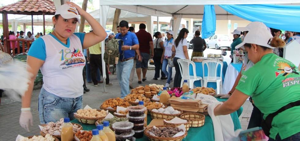 Exposición de dulces clásicos del Cantón Rocafuerte. Manabí, Ecuador.
