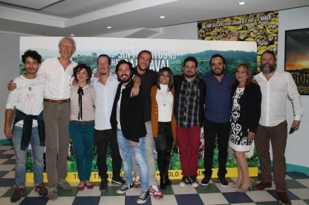 """Elenco del filme """"Sin muertos no hay carnaval"""", del cineasta ecuatoriano Sebastián Cordero. Quito, Ecuador."""