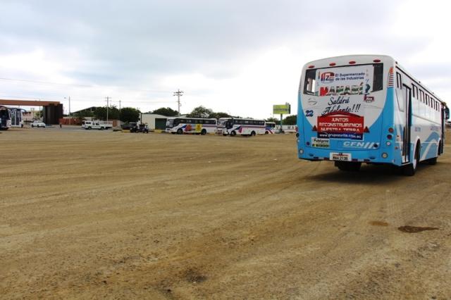 Estacionamiento terminal para autobuses del transporte urbano de Manta. Manabí, Ecuador.