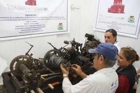 Reparación del antiguo reloj público de Calceta. Manabí, Ecuador.