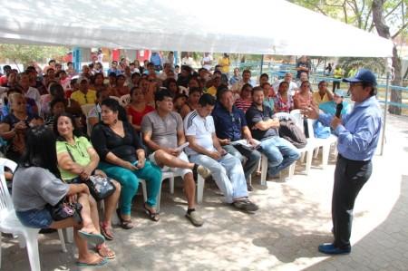 Alcalde de Manta responde inquietudes de moradores de Tarqui. Manabí, Ecuador.