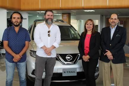 Arturo Yépez, productor de la película; Sebastián Cordero, director; Gloria Navas, directora de negocios de AYASA y Diego Andrade, director nacional de Nissan.