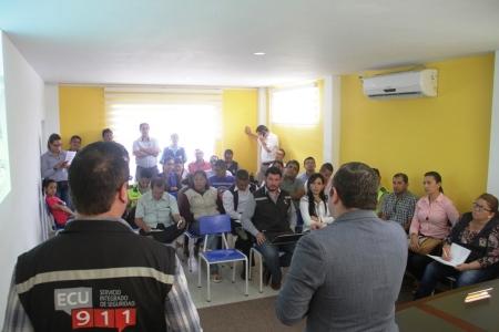 Sesión entre el COE cantonal de Bolívar y el director provincial del ECU-911. Manabí, Ecuador.