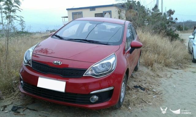 Auto KIA encontrado en Jaramijó luego de haber sido robado en Manta. Manabí, Ecuador.