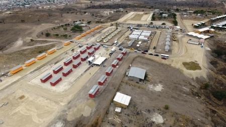 Urbanización municipal Ceibo Renacer, Manta. Vista aérea. Manabí, Ecuador.