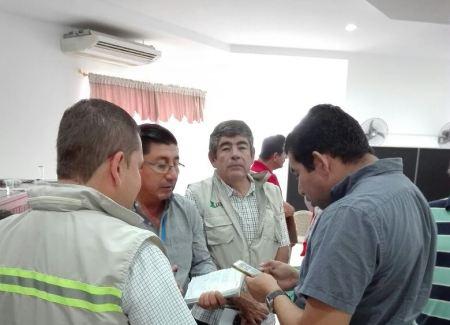 Miembros del Comité de Operaciones de Emergencia de Manta. Manabí, Ecuador.