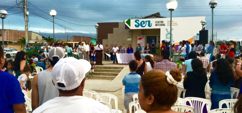 Inauguración de un Centro Integral de Salud, Educación y Recreación (SER) en Ciudadela 20 de Mayo, Manta. Manabí, Ecuador.