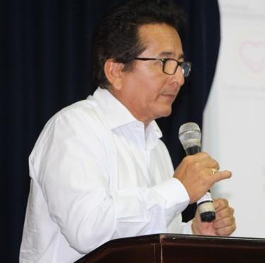 Alcalde Jorge Zambrano habla a los comerciantes del Nuevo Tarqui.