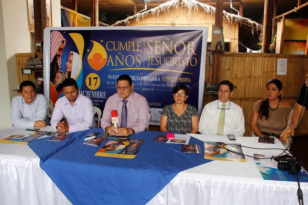 """Directivos de CENTI Manta informan de la celebración anual """"Cumpleaños del Señor Jesucristo"""". Manabí, Ecuador."""