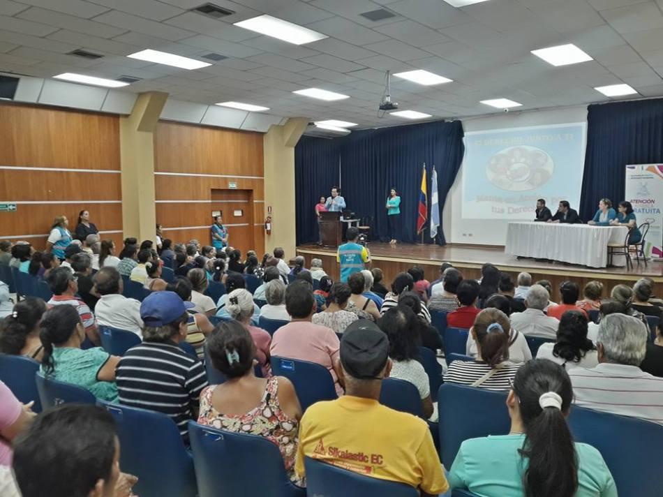 Presentación del nuevo servicio de asesoría legal en el Patronato de Manta. Manabí, Ecuador.