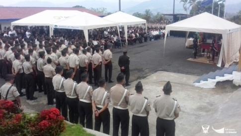 Las honras fúnebres en la Escuela de Formación policial Gustavo Noboa Bejarano.
