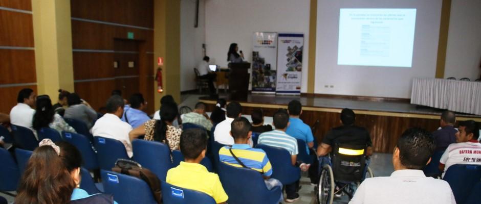 Feria laboral inclusiva desarrollada en el Patronato municipal de Manta. Manabí, Ecuador.