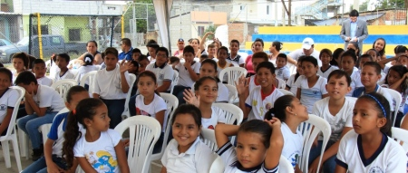 Niños participantes en un curso La Seguridad Junto a Ti, en Manta. Manabí, Ecuador.