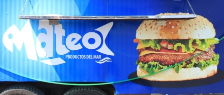 Imagen comercial de los bocadillos de pescado fresco elaborados en San Mateo de Manta. Manabí, Ecuador.