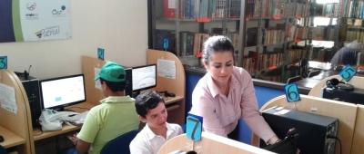 Infocentro en la Biblioteca Euclides Andrade de Chone. Manabí, Ecuador.