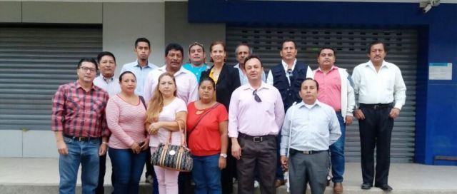Líderes comunitarios del Cantón Manta y el director de comunicación social de la EPAM. Manabí, Ecuador.