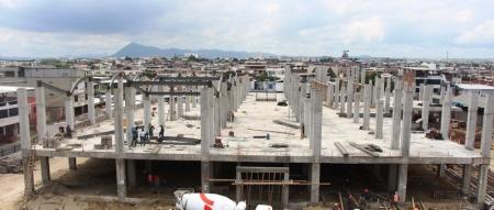 Mercado Municipal de Los Esteros en construcción, Manta. Manabí, Ecuador.