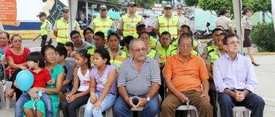 Parte del público presente en la presentación de la campaña policial de valores humanos, Portoviejo. Manabí, Ecuador.