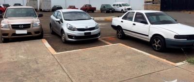 Vehículos hallados en tenencia ilegal por la Policía que opera en Manabí, Ecuador.
