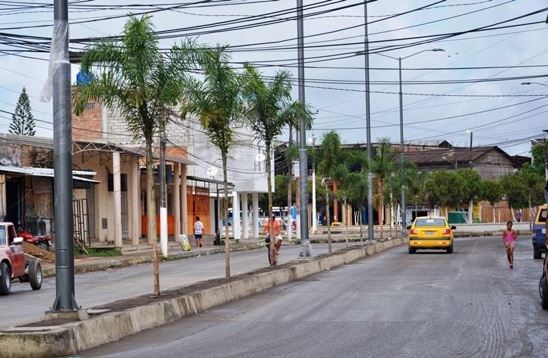 Aspecto reciente de la Avenida 14 de Agosto del Barrio El Cauca de Chone. Manabí, Ecuador.