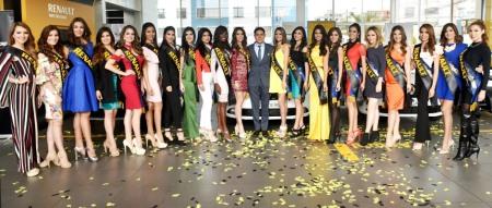 Candidatas a Miss Ecuador, durante su visita a Automotores y Anexos. Quito, Ecuador.