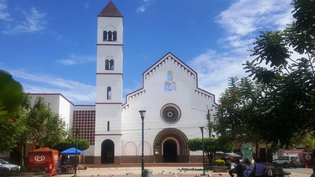Templo San Cayetano de Chone. Manabí, Ecuador.