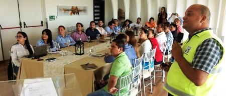 Ecuador Estratégico evalúa en Manta la reconstrucción de obras públicas dañadas por el terremoto de abril 2016.