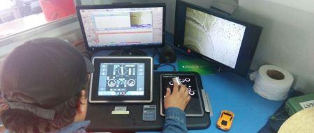 Panel de mando de un robot que inspecciona las entrañas del alcantarillado de la ciudad de Manta. Manabí, Ecuador.
