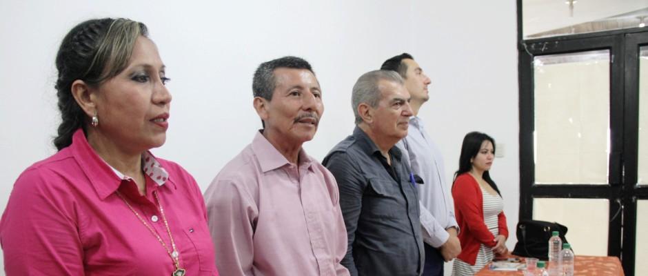 Mesa de honor en el acto de posesión del primer juez de paz en la Parroquia Crucita, Cantón Portoviejo. Manabí, Ecuador.