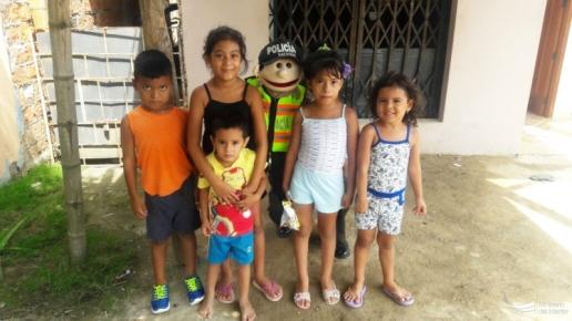 Sorprendidos, pero felices de que Paquito comparta enseñanzas y alegría con ellos.