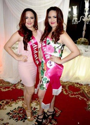 Josenka Mercedes (19 años) y Jarixa Mercedes Moreira Zambrano (19), las gemelas del certamen Reina de Chone 2017. Manabí, Ecuador.