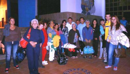 Pacientes asistidos por el Patronato municipal de Manta van a Cuenca para un tratamiento oftalmológico. Manabí, Ecuador.