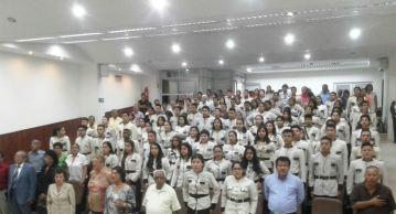 La Unidad Educativa General Eloy Alfaro Delgado llenó el salón de actos públicos del palacio municipal.