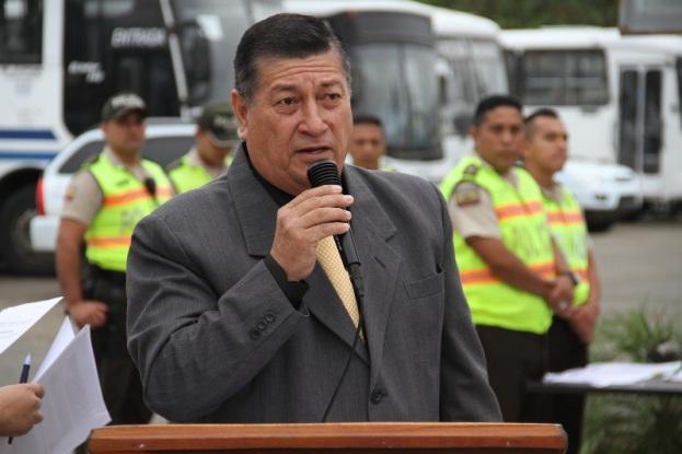 En nombre de los homenajeados agradeció Orlando Vélez, suboficial en servicio pasivo.