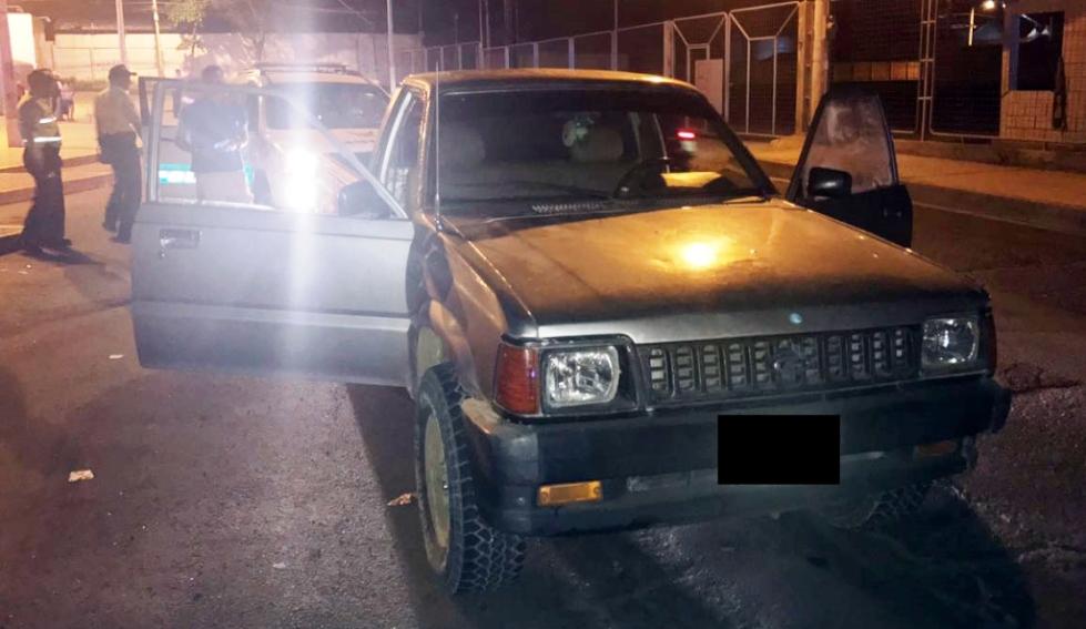 Vehículo retenido por la Policía para investigaciones, Manta.