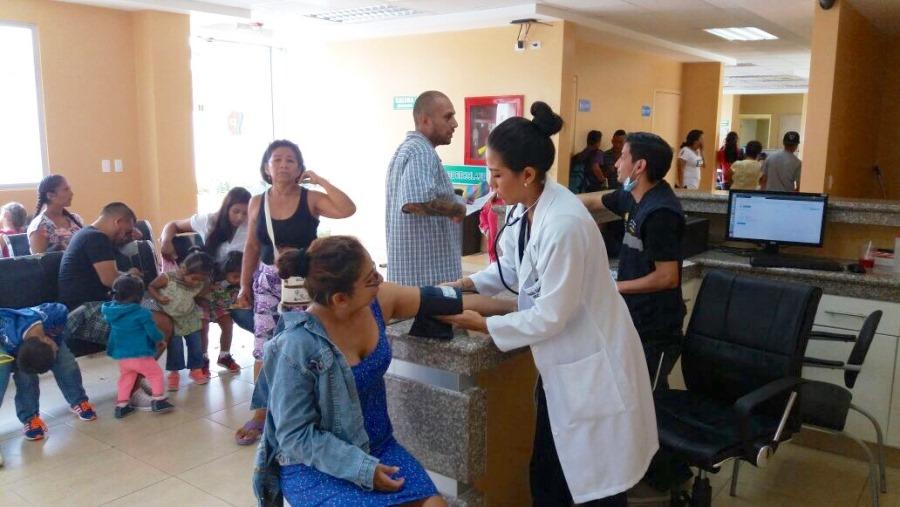 Atención médica en el Centro de Salud Manta.
