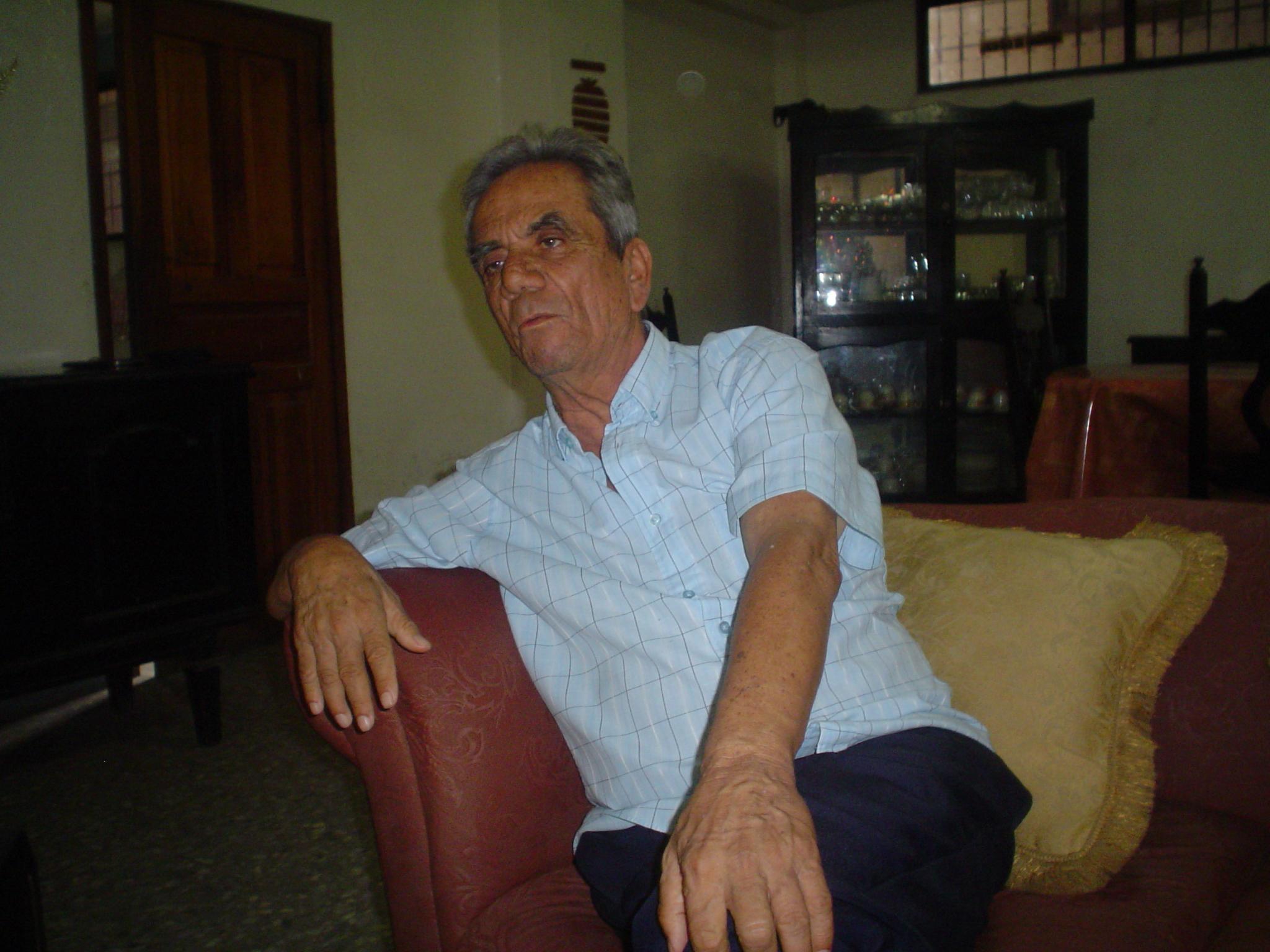 John Cuadros opina sobre la conducción política del Ecuador y en particular de Manabí.