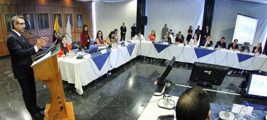 """Gustavo Jalkh, presidente del Consejo de la Judicatura, defiende la potestad de este organismo público para sancionar el """"error inexcusable"""" de los jueces."""