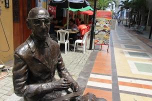 Hugo Mayo en el Paseo Hermanos Egas, en la ciudad de Manta.