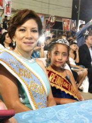 Ligia Zambrano Castro y Anita Menéndez Vera.
