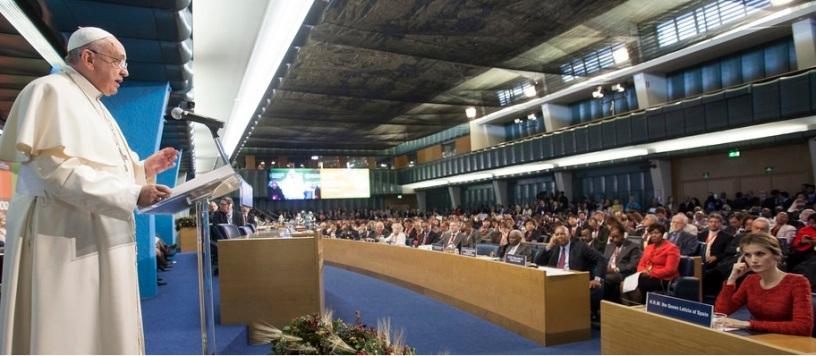 El papa Francisco en una ceremonia en la FAO (Foto bajada del sitio web oficial de la FAO).