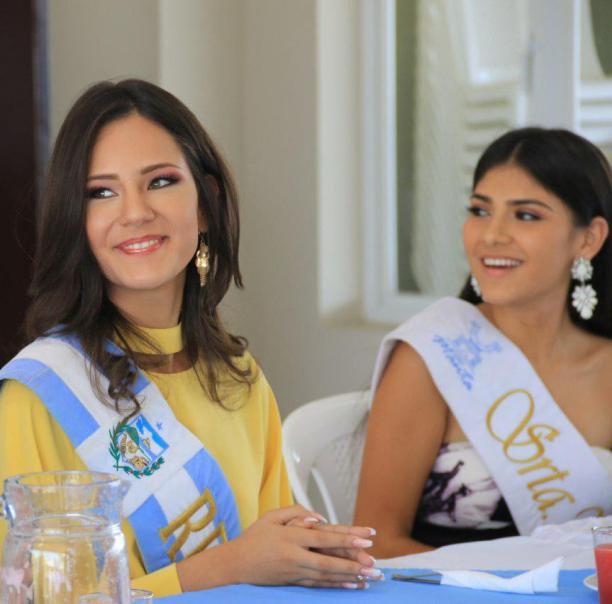 Lucía Villavicencio y Melanie Burgos.